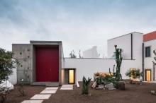 บ้านโมเดิร์นโทนสีขาว เทา จากงานปูนเปลือย ตกแต่งสไตล์มินิมอล