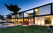 ไอเดียออกแบบบ้านโครงสร้างเหล็ก ทรงกล่องสวยๆ ชิคๆ