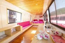สุดเจ๋งและรักษ์โลก! จีนแปลงโฉมรถโดยสารไม่ใช้แล้วให้กลายเป็นห้องพักสุดน่ารัก