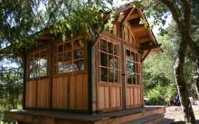 บ้านไม้ทรงกระท่อมหลังเล็ก สำหรับเอาไปประยุกต์ สร้างและใช้งานได้หลายรูปแบบ